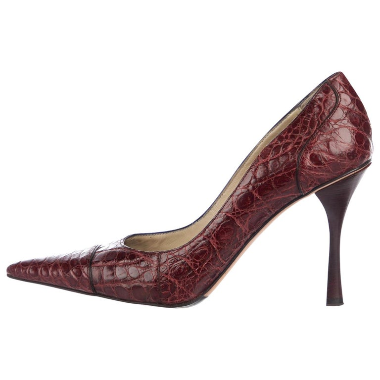 Tom Ford for Gucci F/W 2002 Collection Alligator Wine Color Shoes Pumps 39.5 C For Sale