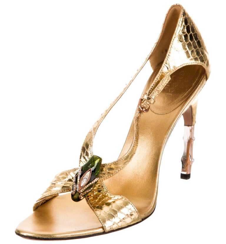 Tom Ford for Gucci Python Snake Head Ad Runway Heels Sz 37.5 In Good Condition For Sale In Leesburg, VA