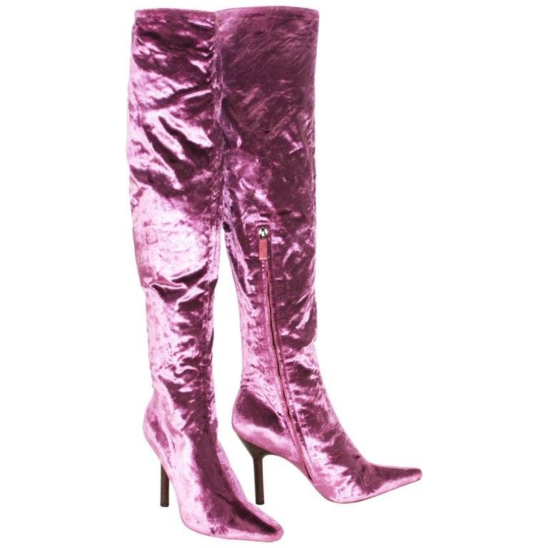 Tom Ford for Gucci Vintage F/W 1999 Pink Velvet Over Knee Boots 7.5 B For Sale