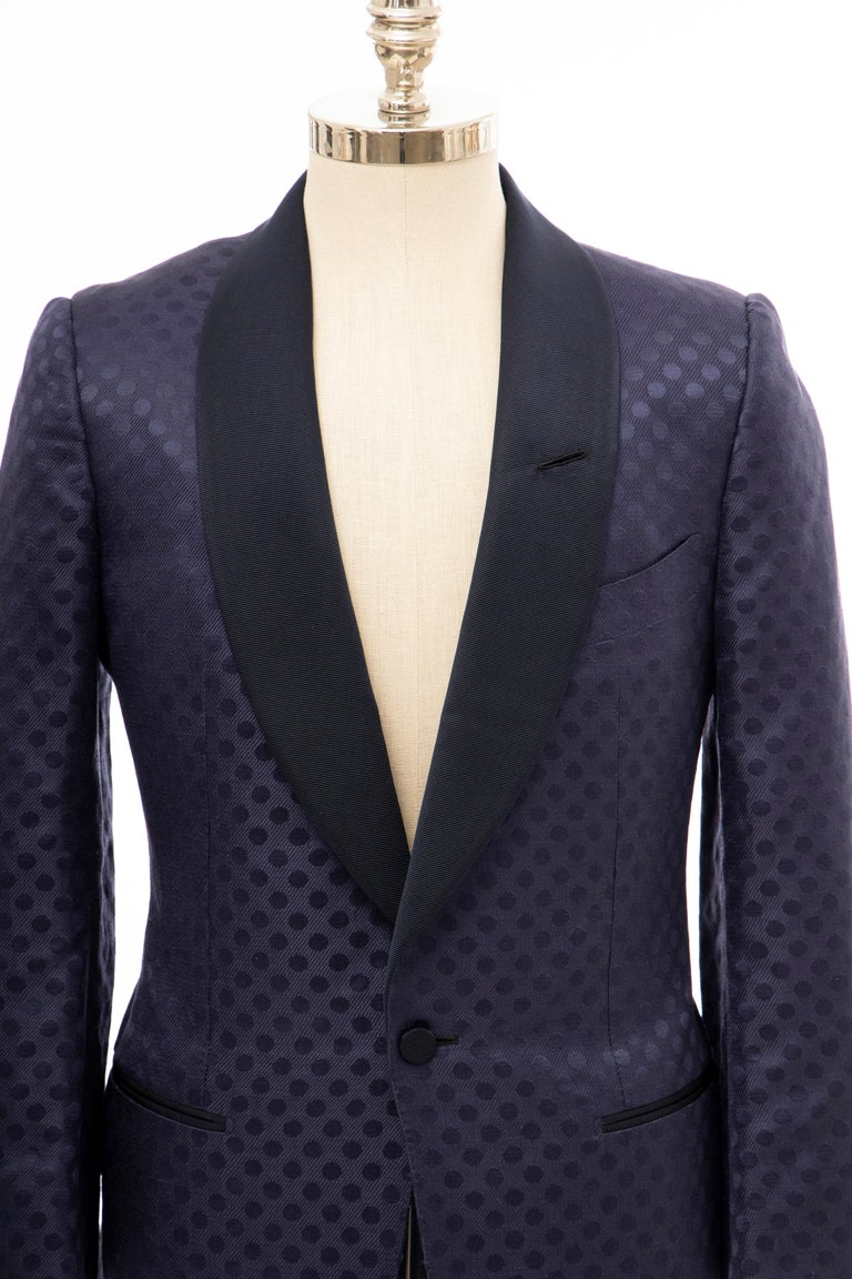 Tom Ford Men's runway Spring 2012, navy blue silk linen dinner jacket with black ribbed lapels, three pockets, dual vents, woven polka dot print throughout, button closure at front and fully lined in black silk.  IT. 48R  Chest 38, Waist 35,