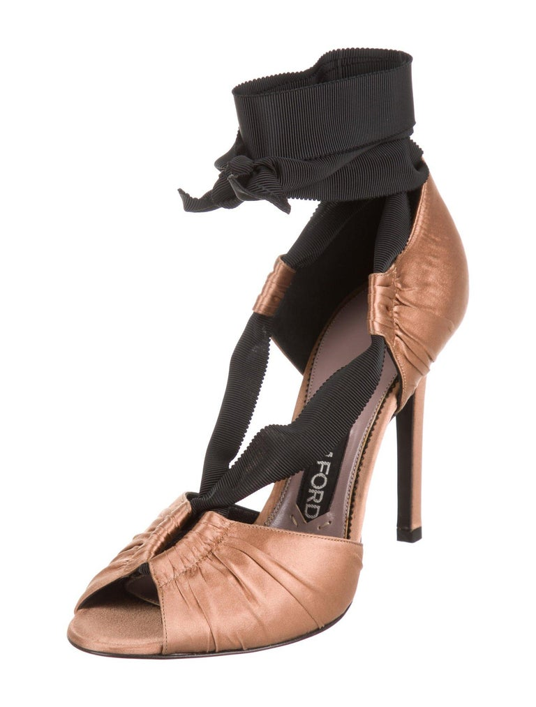 Tom Ford NEW Cognac Satin Black Tie Evening Sandals Heels in Box In New Condition For Sale In Chicago, IL