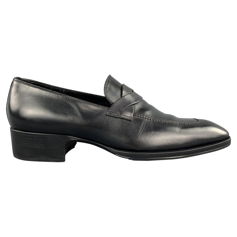 TOM FORD Shoes - Size 12 Black Solid Leather Slip On Loafers  For Sale