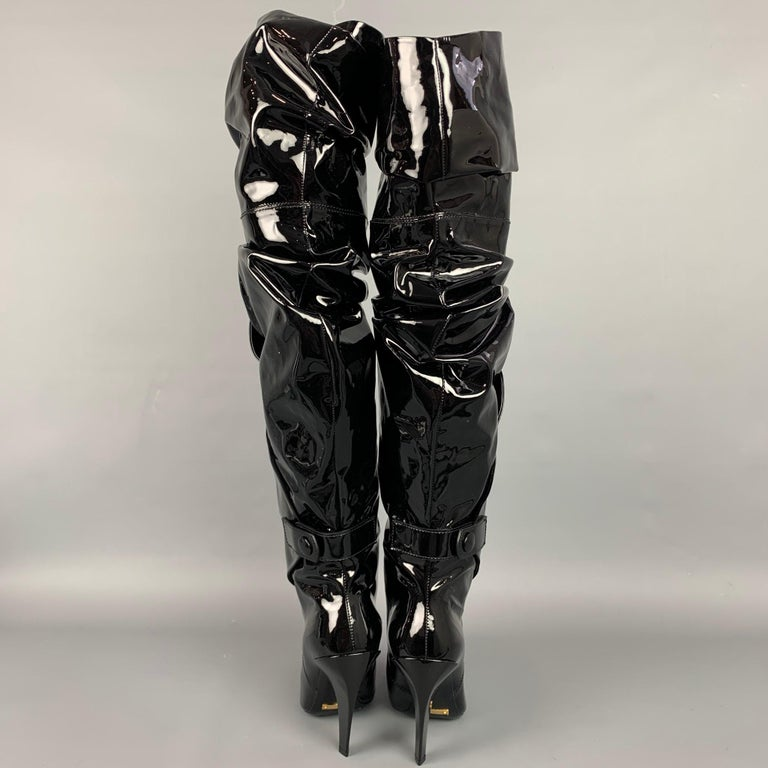 Women's TOM FORD Size 7.5 Black Patent Leather Scrunched 105mm Boots For Sale