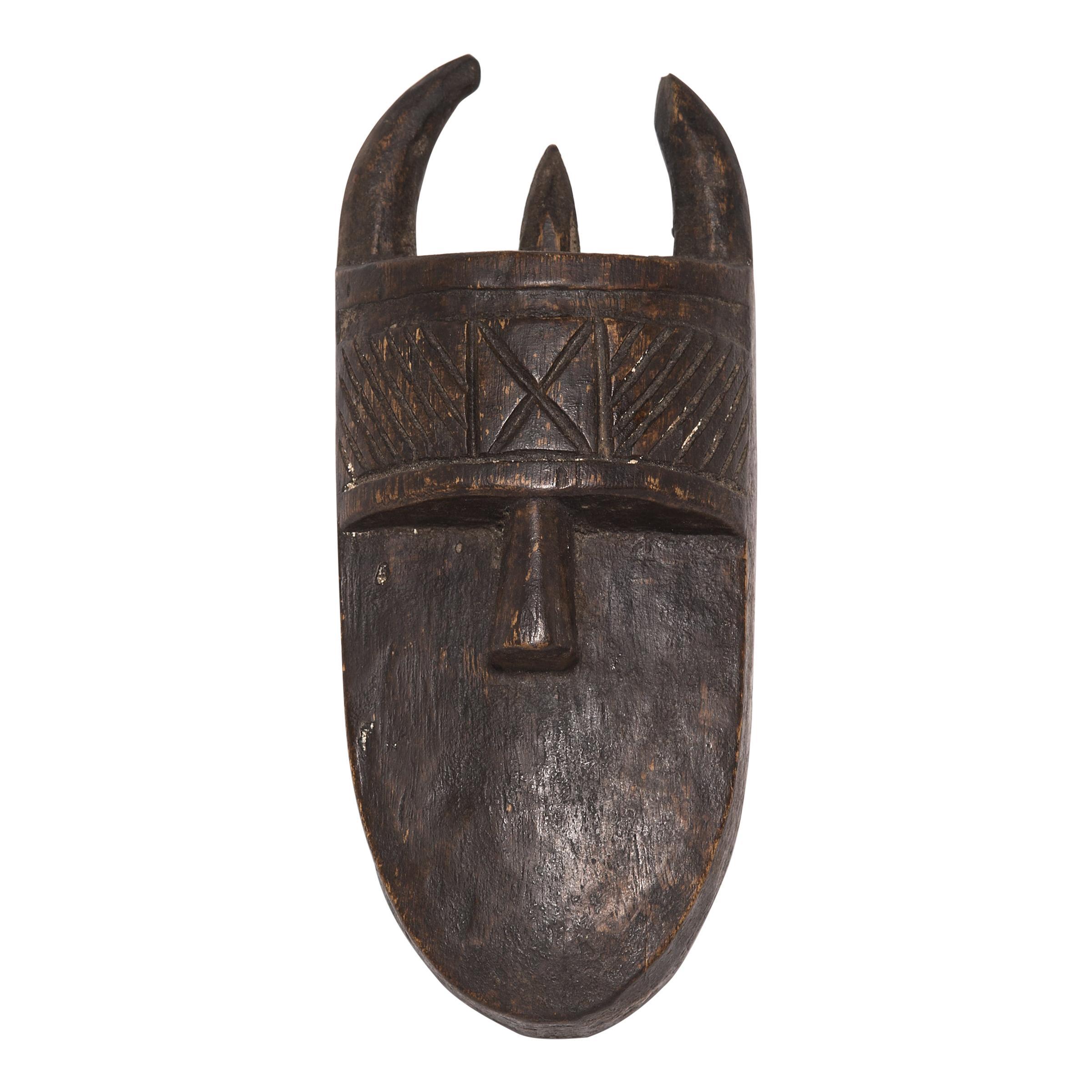 Toma Angbai Mask