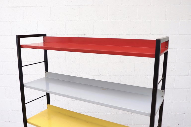 Tomado Multicolored Enameled Metal Standing Book Shelf In Good Condition For Sale In Los Angeles, CA