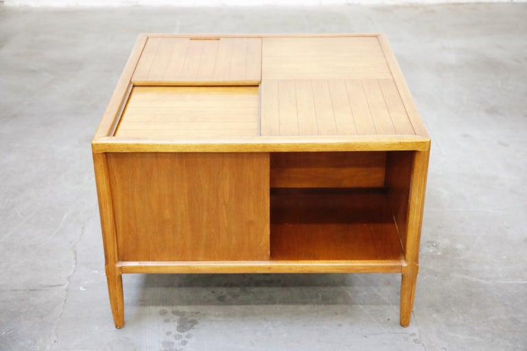 Tomlinson Sophisticate Cocktail Bar and Storage Coffee Table, 1950s, Signed For Sale 4