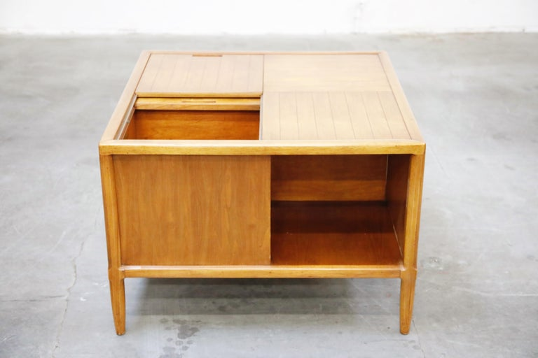 Tomlinson Sophisticate Cocktail Bar and Storage Coffee Table, 1950s, Signed For Sale 5