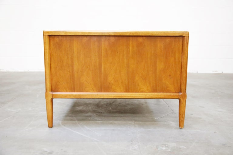 Tomlinson Sophisticate Cocktail Bar and Storage Coffee Table, 1950s, Signed For Sale 6