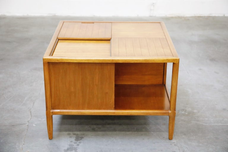 Tomlinson Sophisticate Cocktail Bar and Storage Coffee Table, 1950s, Signed For Sale 9