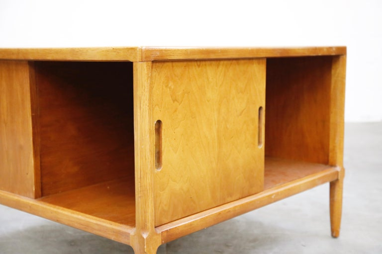 Tomlinson Sophisticate Cocktail Bar and Storage Coffee Table, 1950s, Signed For Sale 12