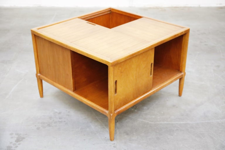 American Tomlinson Sophisticate Cocktail Bar and Storage Coffee Table, 1950s, Signed For Sale