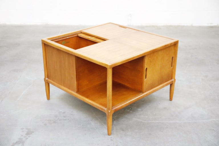 Mid-20th Century Tomlinson Sophisticate Cocktail Bar and Storage Coffee Table, 1950s, Signed For Sale