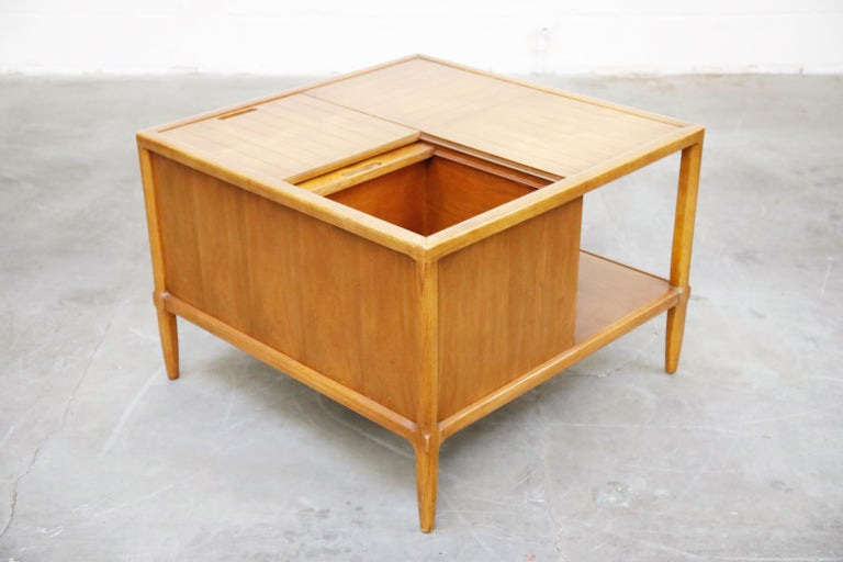 Tomlinson Sophisticate Cocktail Bar and Storage Coffee Table, 1950s, Signed For Sale 2
