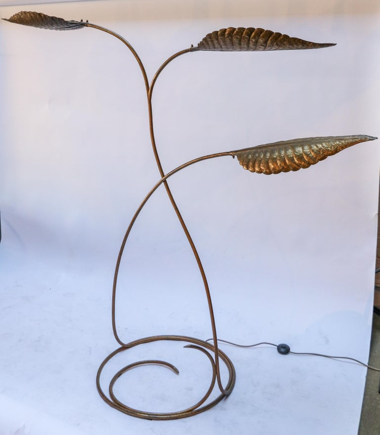 Mid-Century Modern Tommaso Barbi 1970s Italian Brass Leaf Floor Lamp For Sale