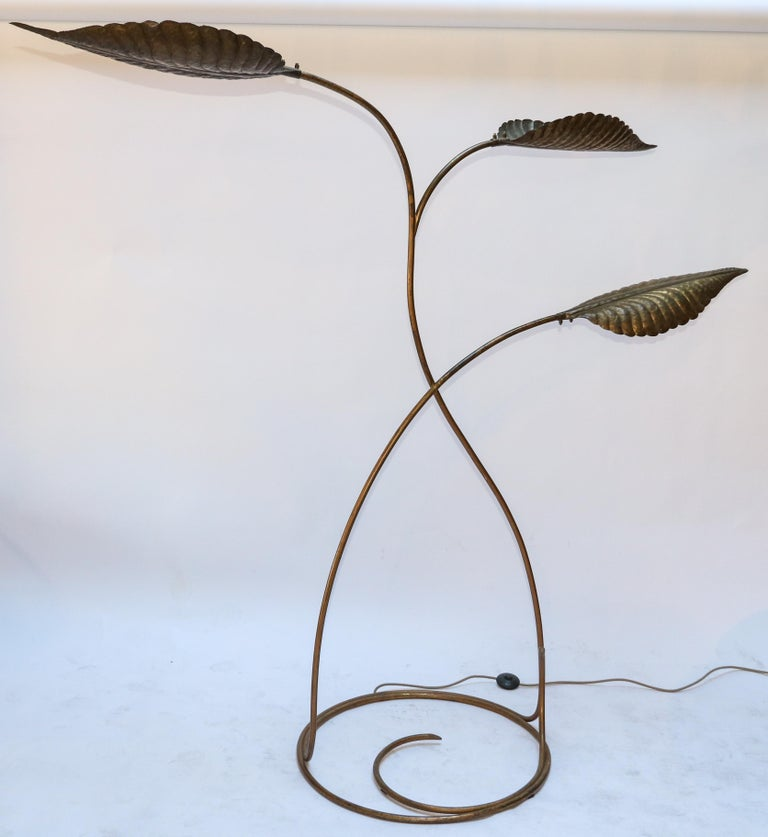 Tommaso Barbi 1970s Italian Brass Leaf Floor Lamp In Good Condition For Sale In Los Angeles, CA