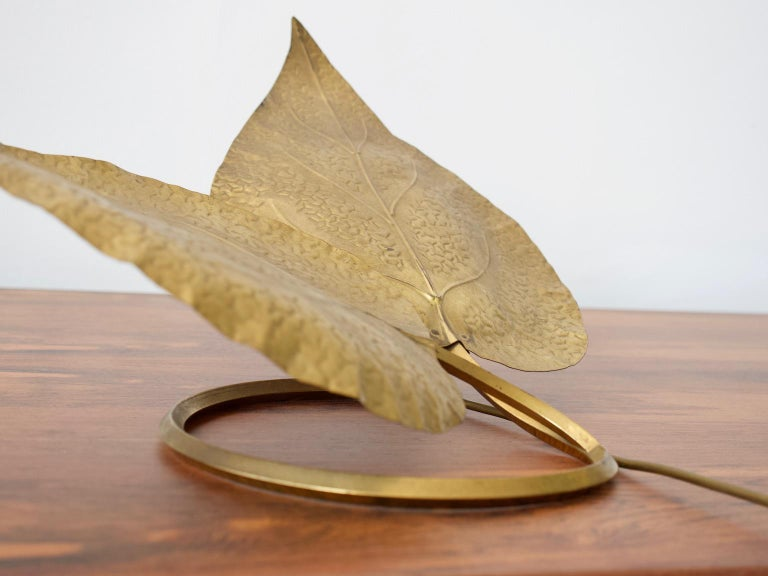 20th Century Tommaso Barbi Brass Leaves Table Lamp For Sale