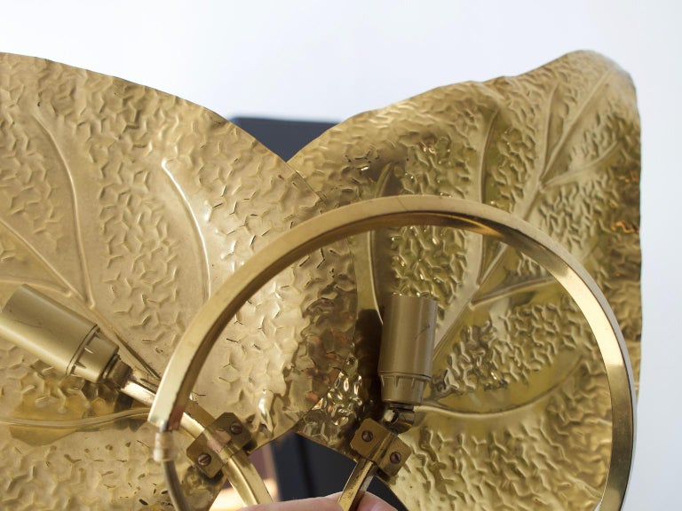 Tommaso Barbi Brass Leaves Table Lamp For Sale 2