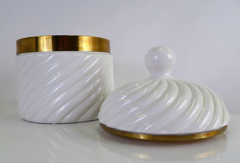 Mid-Century Modern Tommaso Barbi Iconic Rope Swirl Ice Bucket Vessel in White Ceramic and Brass For Sale