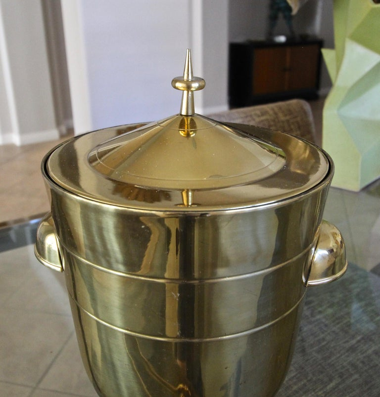 Tommi Parzinger Brass Champagne Cooler or Ice Bucket In Good Condition For Sale In Palm Springs, CA