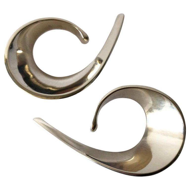 Tone Vigeland for Plus Sterling Silver Norwegian Modernist Sling Earrings For Sale