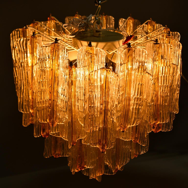 Toni Zuccheri for Venini Chandelier in Two-Toned Glass For Sale 7