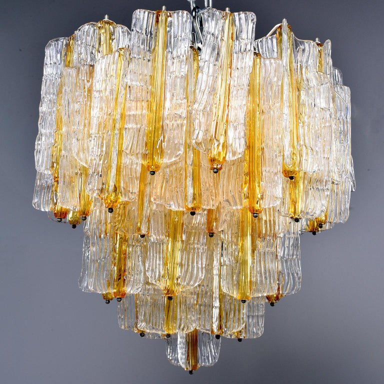 Mid-Century Modern Toni Zuccheri for Venini Chandelier in Two-Toned Glass For Sale