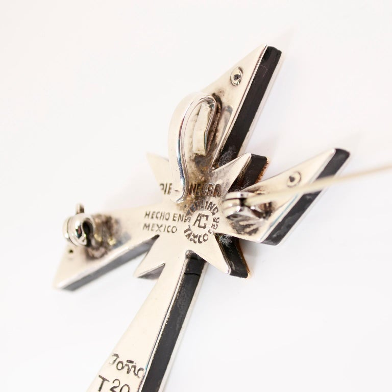 Tono Piedra Negra Mixed Metal Sterling Silver Modernist Cross Pendant or Brooch For Sale 9
