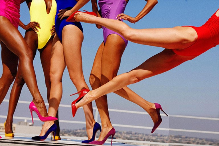 Cat Fight - female legs wearing colourful high heels For Sale 1