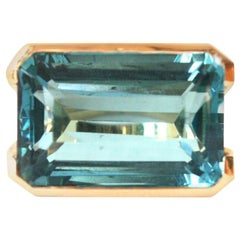 Topaz Chevalier Square Ring 18 Karat Yellow Gold
