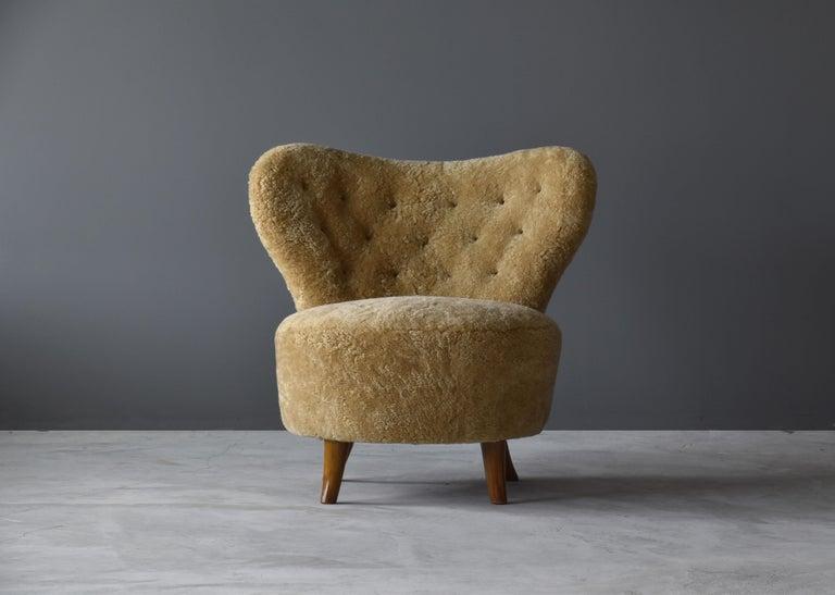 Scandinavian Modern Tor Wolfenstein, Organic Lounge Chair, Sheepskin, Stained Beech, Ditzinger, 1940 For Sale