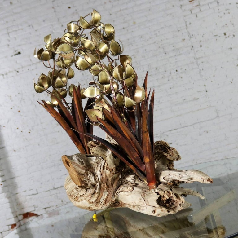 Torch Cut Brutalist Floral Copper and Brass Sculpture on Driftwood In Good Condition For Sale In Topeka, KS