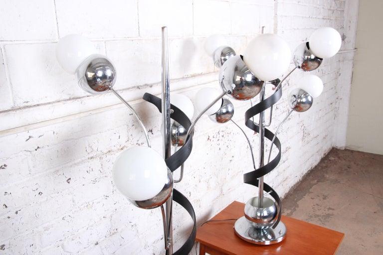 Late 20th Century Torino Style Mid-Century Modern Chrome Sputnik Corkscrew Table Lamps, Pair For Sale