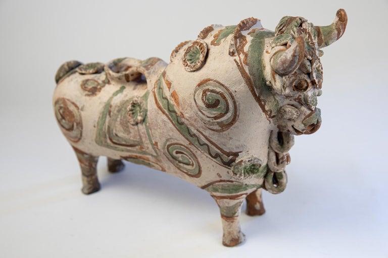 Torito de Pucara Antique Painted Terra Cotta Pottery Peruvian Bull Sculpture In Good Condition For Sale In San Diego, CA