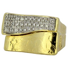 Torrini, 14 Karat Gold Forenze Bilbao Handmade Ring with Diamonds