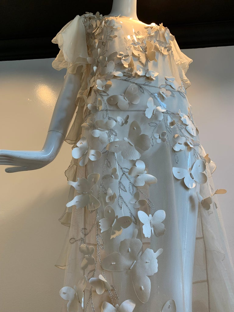 Torso Creations Eggshell Silk Chiffon Ruffled Wedding Gown W/ Silk Butterflies In Excellent Condition For Sale In San Francisco, CA