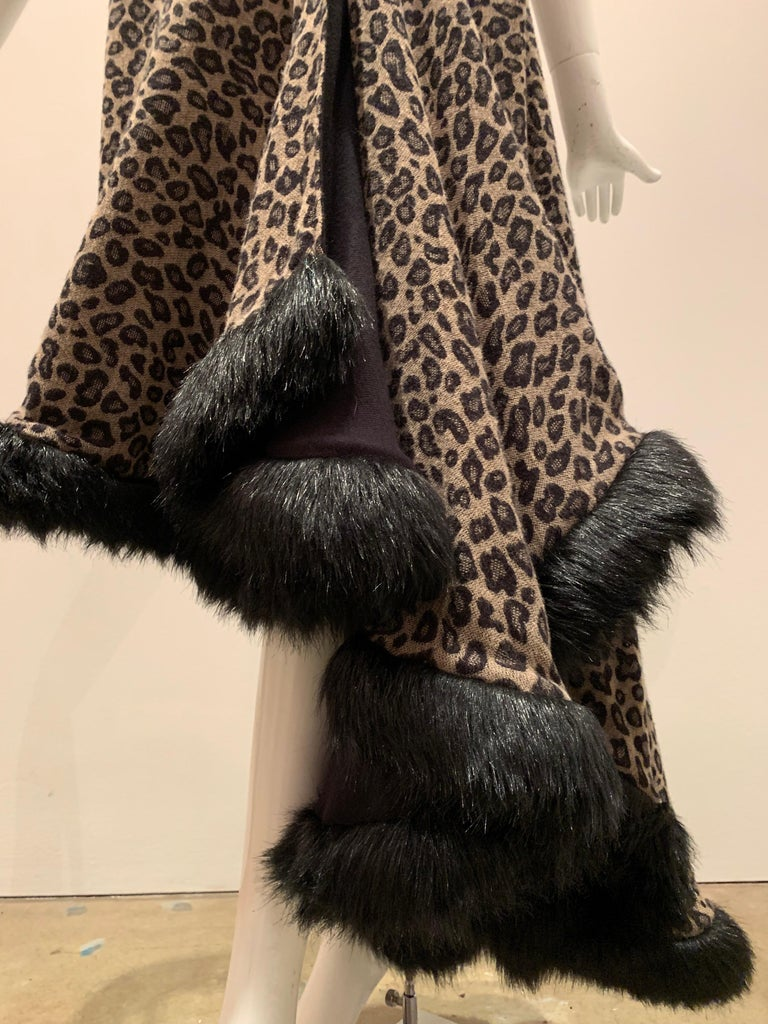 Torso Creations Leopard Knit Hi-Low Skirt W/ Faux Fur Trim In Excellent Condition For Sale In San Francisco, CA