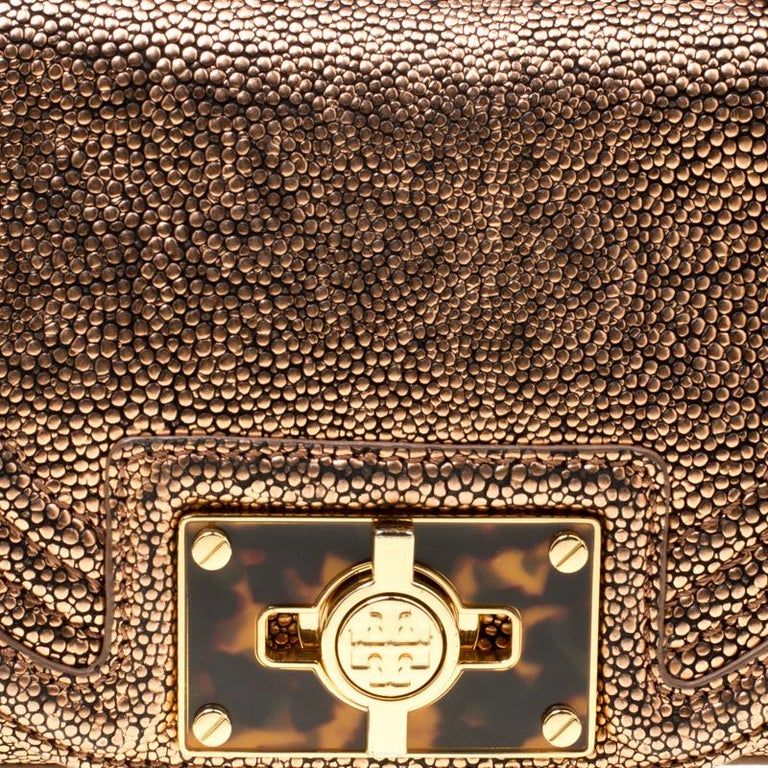 Tory Burch Rose Gold Textured Leather Clutch For Sale 5