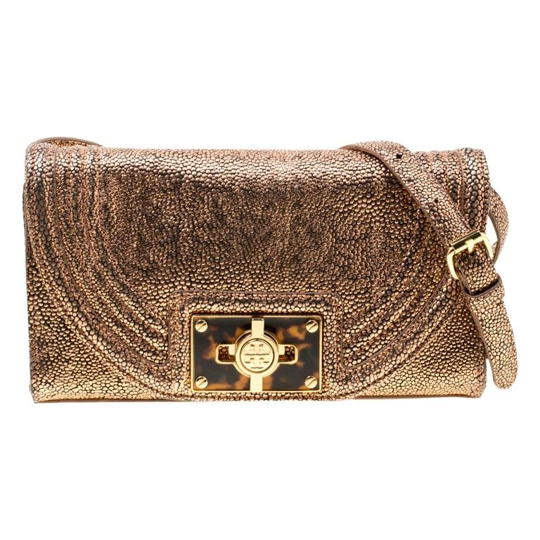 Tory Burch Rose Gold Textured Leather Clutch For Sale