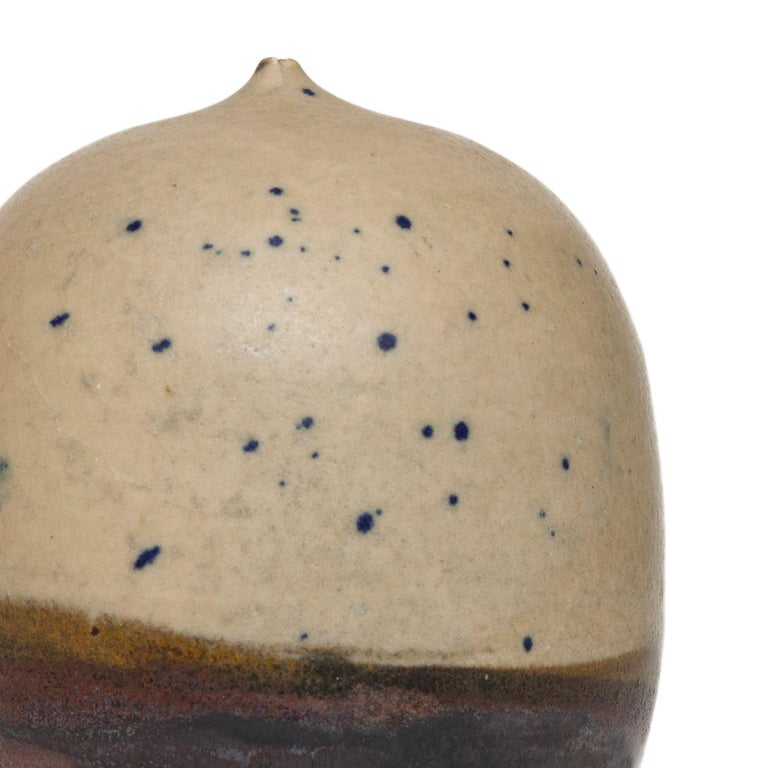 Small Moon Pot - Brown Abstract Sculpture by Toshiko Takaezu