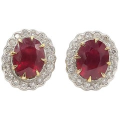 Total 4.67 Carat Oval Ruby Diamond Stud Earrings Yellow Gold
