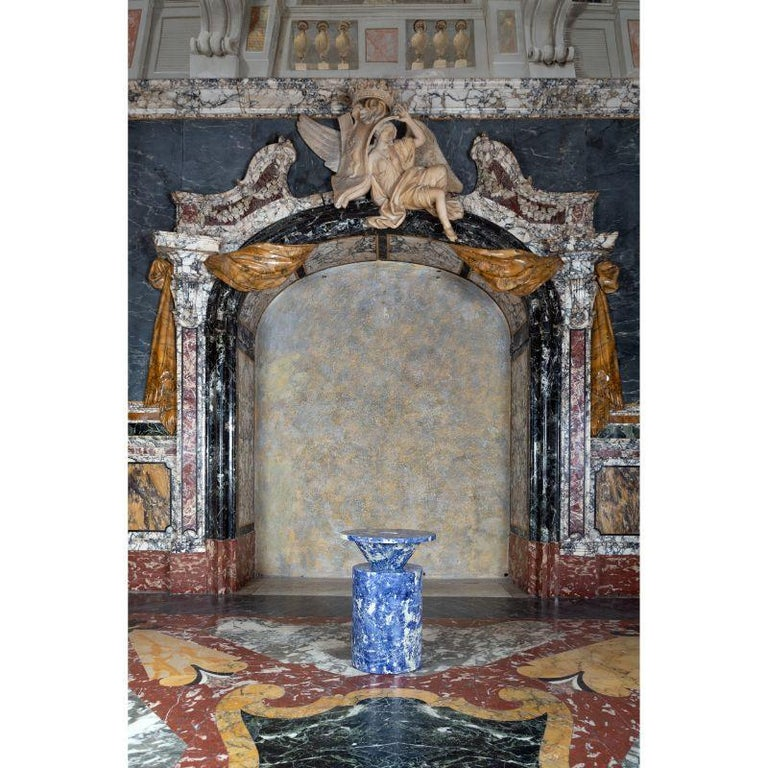 Totem in Blu Sodalite Marble Table by Karen Chekerdjian In New Condition For Sale In Geneve, CH