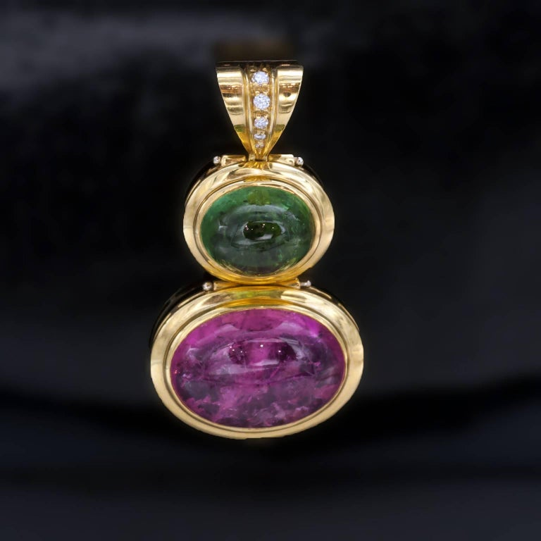 Women's Tourmaline Diamonds 18 kT Gold Earrings and Pendant Set For Sale