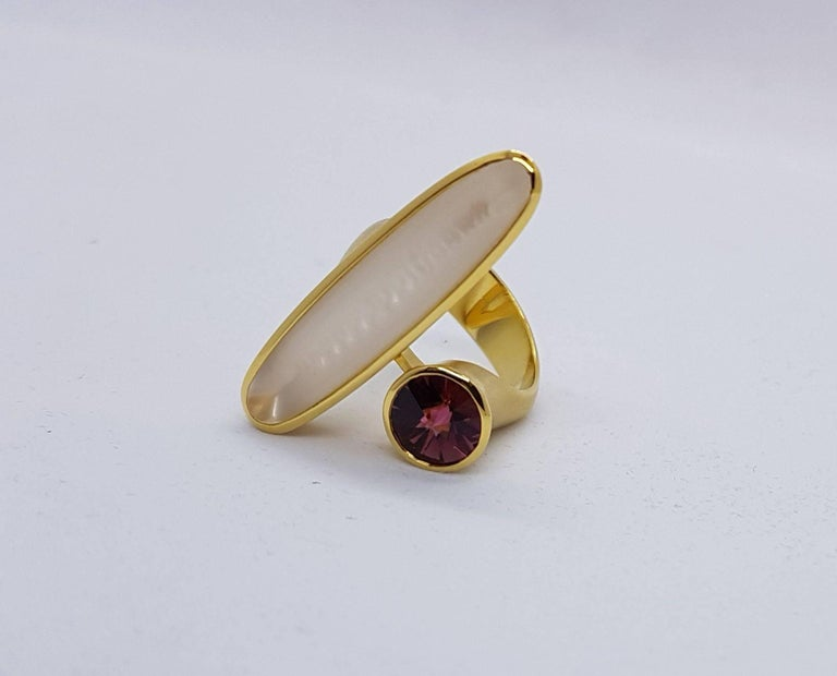 Tantalizing ring by Atelier Munsteiner made of yellow gold, 1 Tourmaline