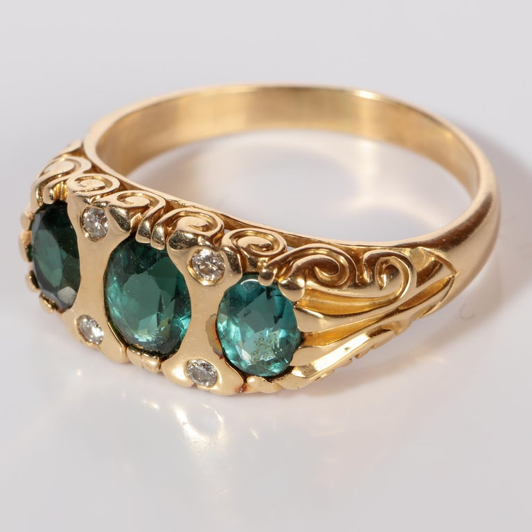 Tourmaline Ring in Gold With Diamonds  For Sale 3