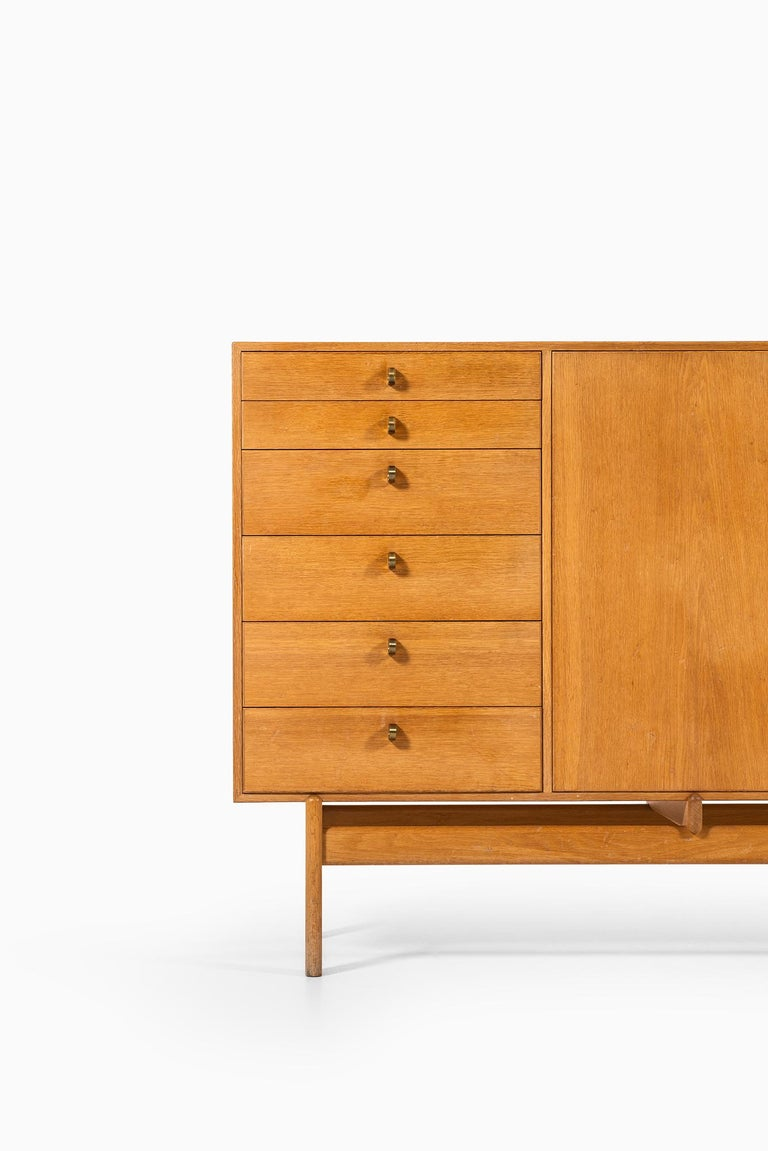 Rare sideboard designed by Tove & Edvard Kindt-Larsen. Produced by Seffle Möbelfabrik in Sweden.