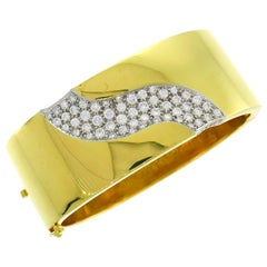 Trabert & Hoeffer Diamond Gold Bangle Bracelet