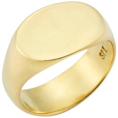 The Tracy Signet Ring in 18 Karat Gold