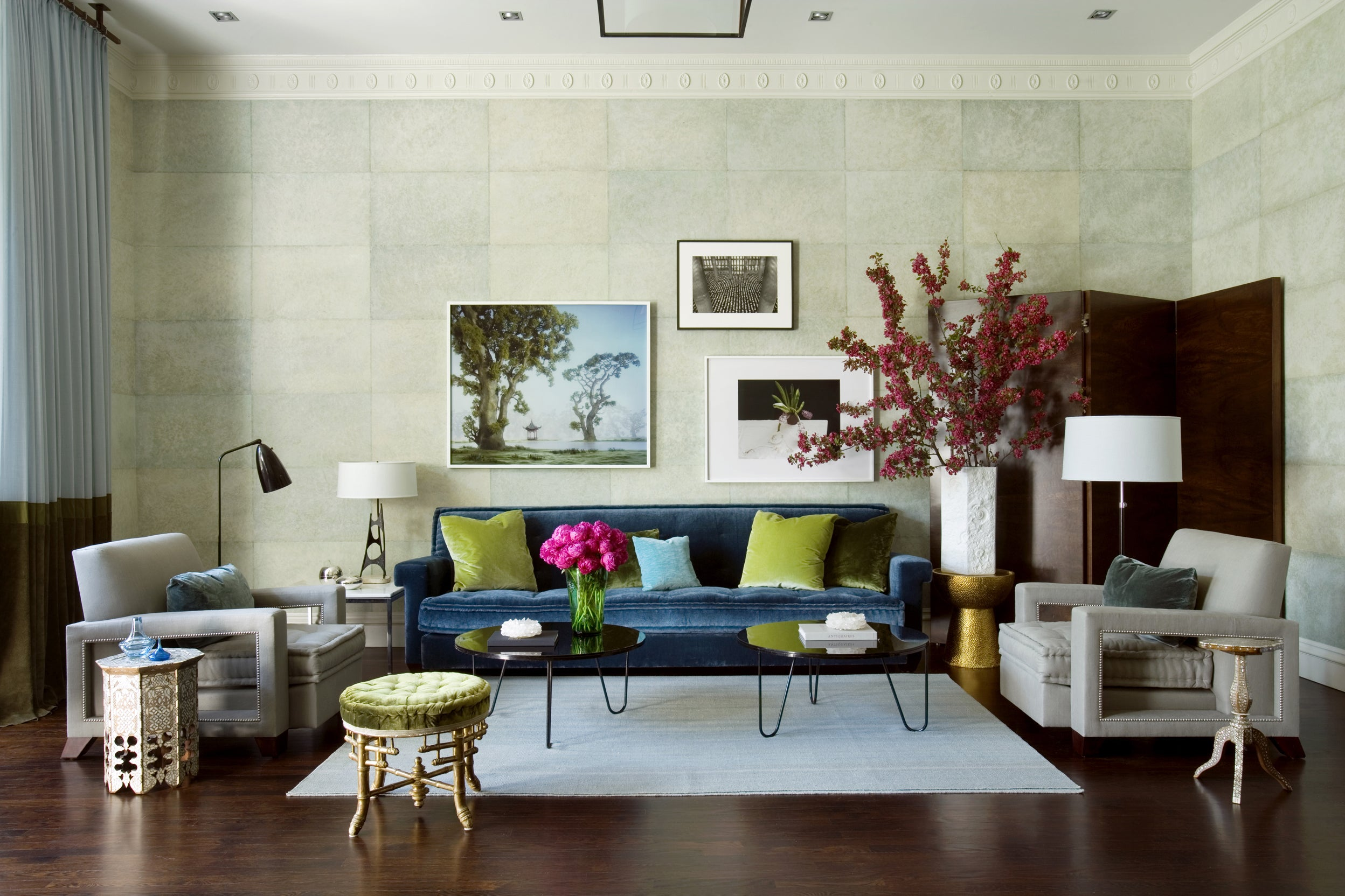 Attractive Living Room By Frank Roop Design Interiors On 1stdibs