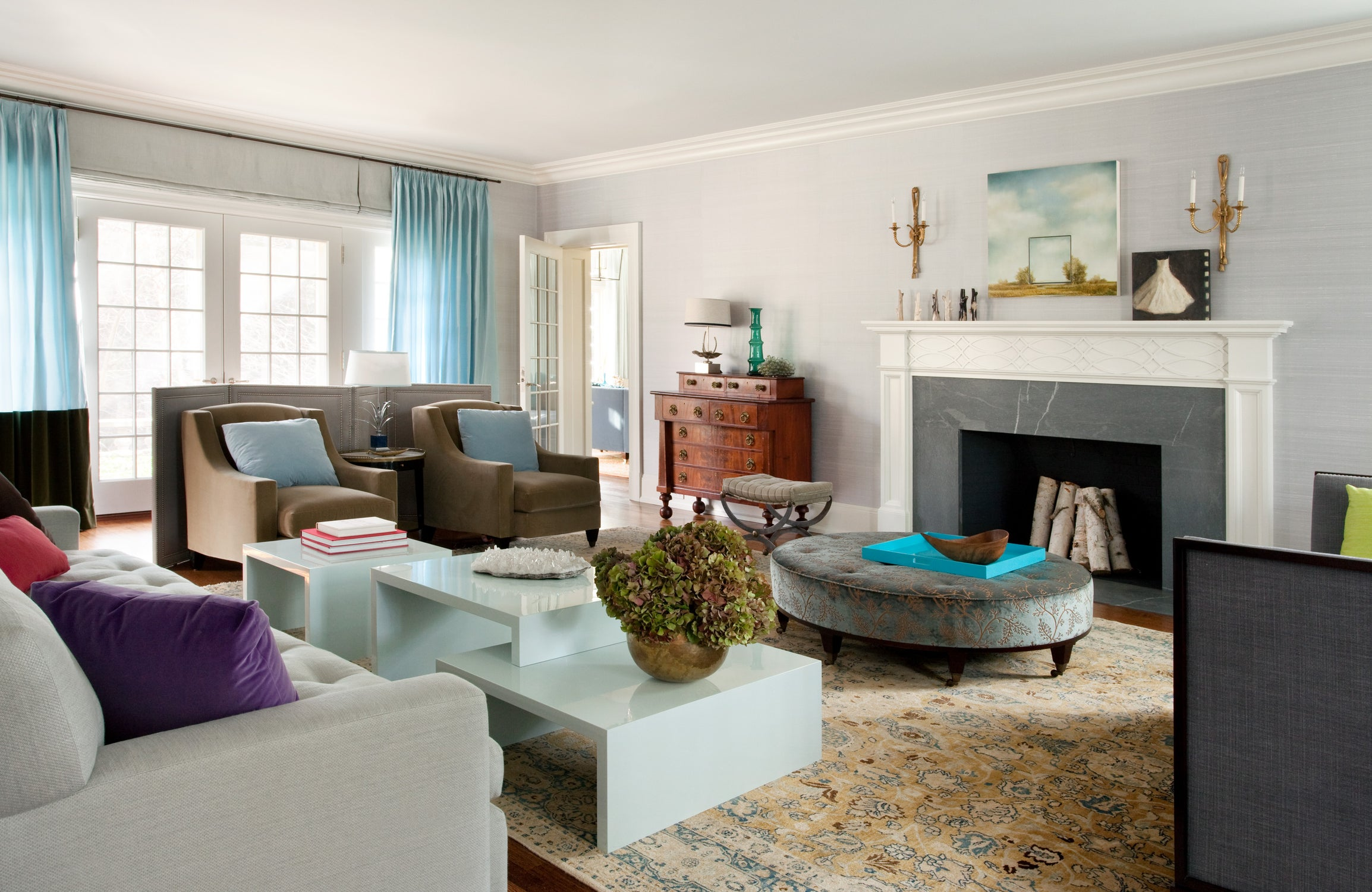. Living Room by Frank Roop Design Interiors on 1stdibs