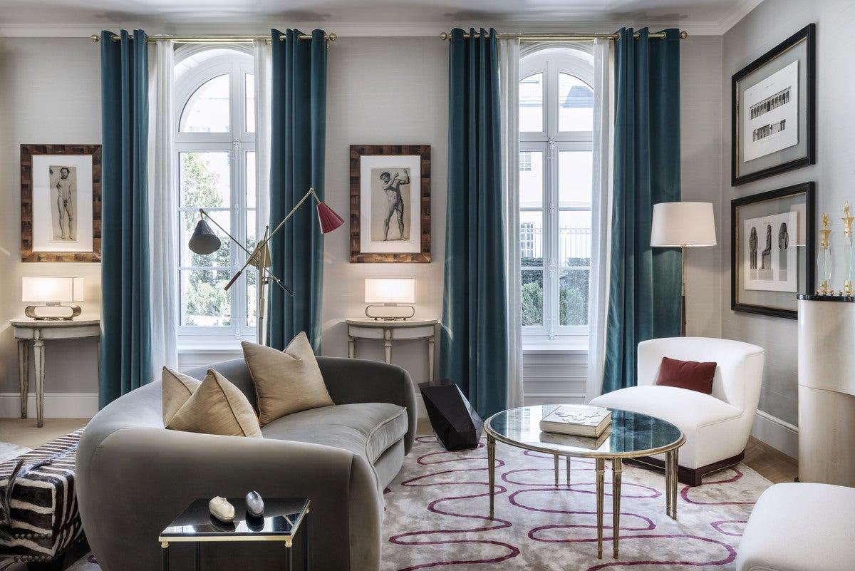 Paris apartment living room v contemporary living room for Family room v living room